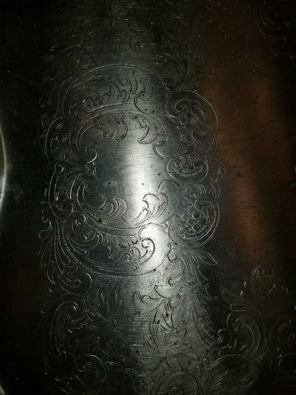 Vintage Silver tone metal etched serving tray 11560232-1a2c-4dc2-9068-067f36da39d7