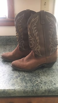 Size 8 1/2 Laredo cowgirl boots Tullahoma, 37388
