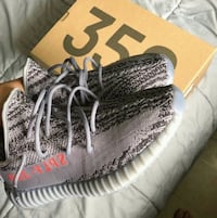 pair of gray Adidas Yeezy Boost 350 V2 Miami, 33126