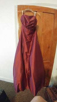 Maroon prom dress Harpers Ferry, 25425
