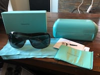 black Ray-Ban sunglasses with case