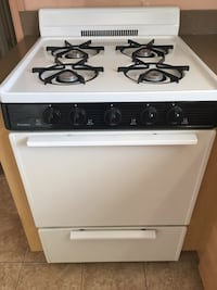 white and black 4-burner gas range oven Brightwaters, 11718