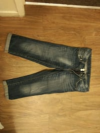black and gray denim jeans Bakersfield, 93306
