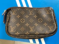 black Louis Vuitton leather wristlet Elk Grove, 95757