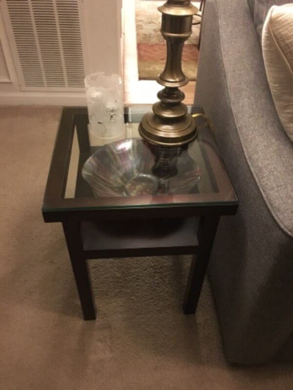 Set of 4 gorgeous living room tables!