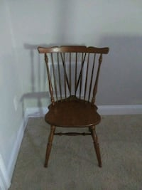 2 wooden chairs Gordonsville, 22942