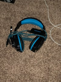 Ps4 headphones excellent condition just got a new pair price is negotiable  Kansas City, 64139