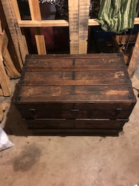 Antique wooden chest Chattanooga, 37421