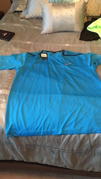 Men's Nike dri fit short sleeve brand new with tags Mississauga