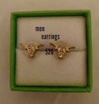 pair of gold-colored longhorns stud earrings