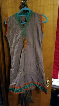 Indian embroidered tunic size medium Albuquerque, 87112