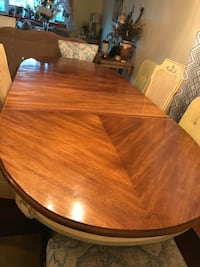 Oval brown wooden dining table Randolph, 02368