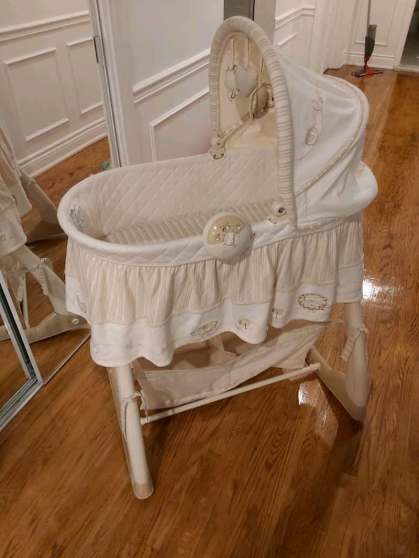 BASSINET yes it is available aff9c8af-20e8-4e0b-9add-fb930762297e