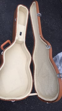 Beautiful padded guitar case Spring Lake Heights, 07762