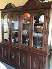 Oak hutch and buffet  West Lincoln, L0R