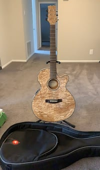 Mitchell Acoustic Guitar, Stand and Soft Case