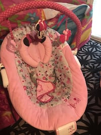 Baby's pink and white floral bouncer.  Jackson, 39206