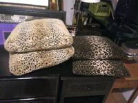 4 pillows 18x18  Cathedral City, 92234