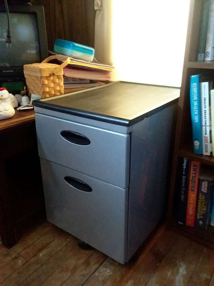 used 2 drawer metal file cabinet with wheels in waterloo. Black Bedroom Furniture Sets. Home Design Ideas