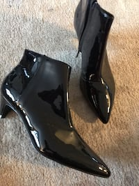Brand new LEATHER Woman shoes leather size 7 us Toronto
