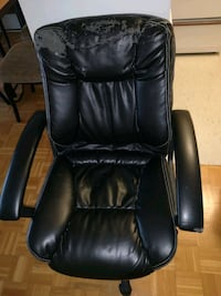 Office chair Mississauga, L5A 3X1