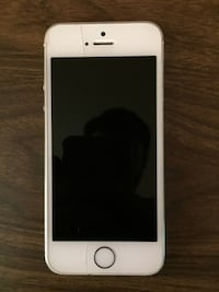 Silver iphone 5s Monroe Township, 08857