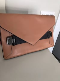 Bcbg clutch Langley, V1M 2K7
