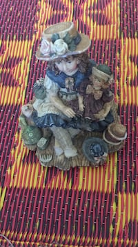brown haired girl wearing brown hat ceramic figurine Essex, 21221