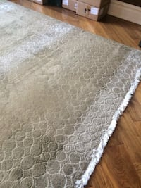 White and gray area rug Markham, L3T 2C5