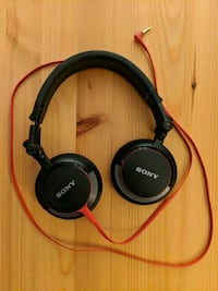 Sony MDR-V55 over- ear headphones