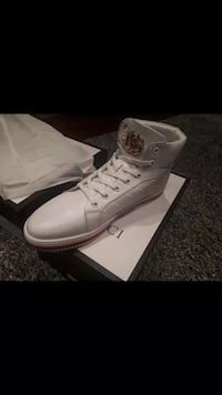 pair of white Converse All Star high-top sneakers 3139 km