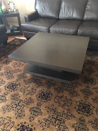 Rectangular dark brown wooden coffee table delivery included  Toronto, M1E 4Y5