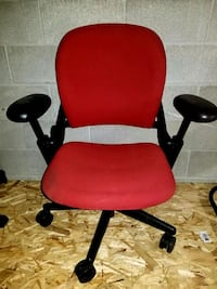 Ajustable office chairs  Toronto, M3A 2J4