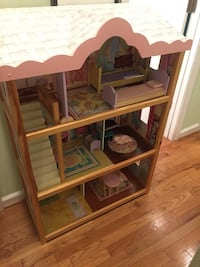Doll house 3 stories open fronted
