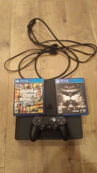 Sony PS4 console with controller and game cases Elgin