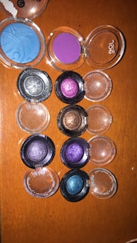 Mini eyeshadows St. John's, A1E 6H9