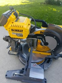 "12"" brushless dewalt  miter saw  Mississauga, L5N 6W3"