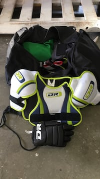 Full bag of kids hockey equipment, 6-8yr old, just missing skates and helmet!