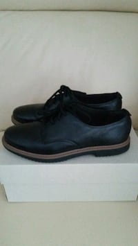 Women Clarks shoes size 6