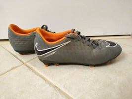 Youth size 4.5 Nike soccer cleats - gray