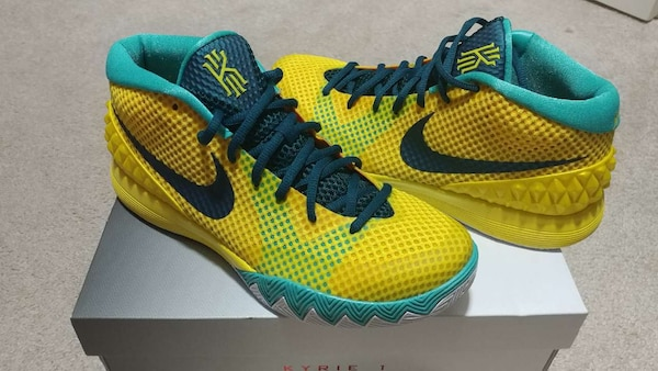 new style 22ad4 35df7 Kyrie 1 New In Box RARE 8.5