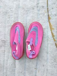 pair of pink flip flops Chula Vista, 91911