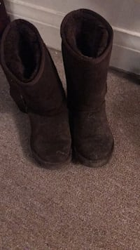 pair of black sheepskin boots Toronto, M5N 2G1