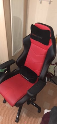 Maxnomic Black/Red Gaming chair (Great Condition) Durham, DH1 1QT