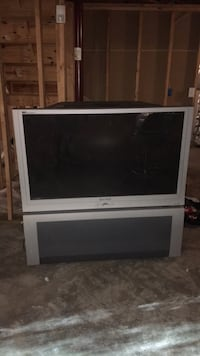 gray flat screen television with remote Waldorf, 20601
