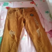 brown denim jeans and white pants Coral Springs, 33065