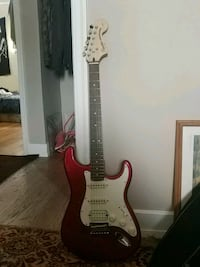 red and white stratocaster electric guitar Calgary, T2E