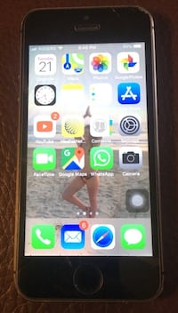 Unlocked iPhone 5s 32gb space grey Vaughan, L4K 4A3