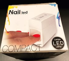 Lampe LED Pour Vernis Gel Polish Nail Lamp Professional NEW/ NEUF Great For Gel & Shellac Nails $7 Ville Saint Laurent