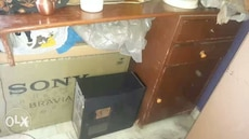 One table and mirror for sale